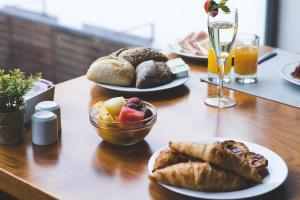 As opções de pequeno-almoço disponíveis para os hóspedes de Monte Prado Hotel & Spa