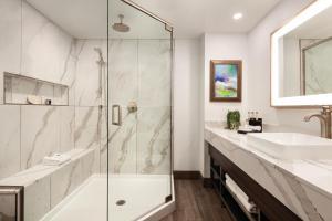 A bathroom at Buena Vista Suites