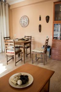 En restaurang eller annat matställe på seafront San Pere apartment