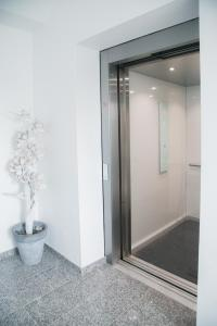 A bathroom at Bonnaparte