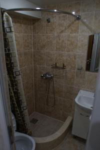A bathroom at Zheleznovodsk Apartment on Lenina