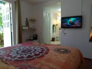 Cama ou camas em um quarto em Art bnb - art, nature, adventure, away from tourism, among locals, many extras