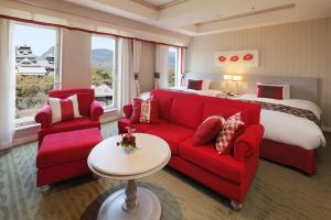 A seating area at Kumamoto Hotel Castle