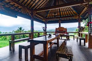A balcony or terrace at Pondok Nyoman