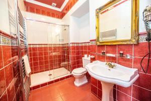 Ванная комната в Grand Hotel Praha