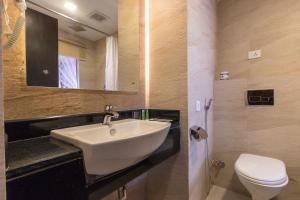 A bathroom at Hotel Mala Pokhara