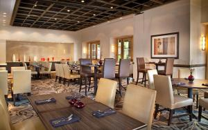 A restaurant or other place to eat at DoubleTree Suites by Hilton Austin