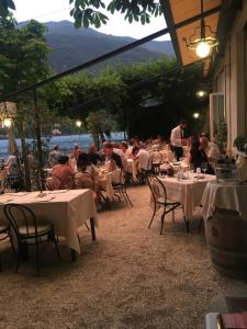 A restaurant or other place to eat at Hotel Vapore
