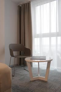 A seating area at Volga Hotel
