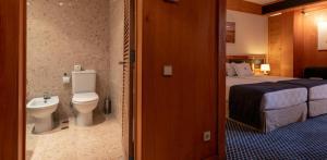 A bathroom at Algarve Casino Hotel