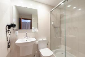 A bathroom at UR Portofino