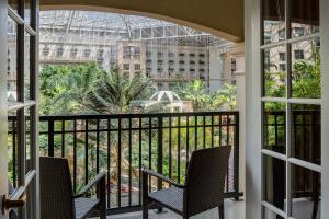 A balcony or terrace at Gaylord Palms Resort & Convention Center
