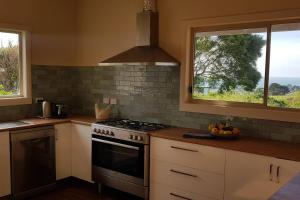 A kitchen or kitchenette at Mallavale Farm, Boat Harbour