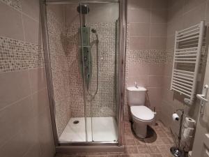 Salle de bains dans l'établissement Presbytere
