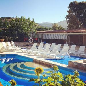 The swimming pool at or close to Villaggio Romaniello