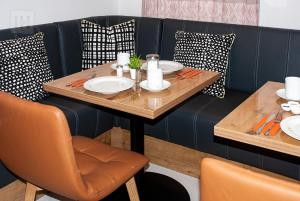 A restaurant or other place to eat at Hotel Isha