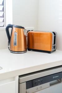A kitchen or kitchenette at Bondi Beach Oasis-Car Park+Pool+Air Con