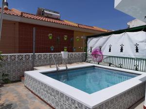 The swimming pool at or near Villa Noelia Benalmadena