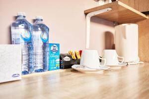 Coffee and tea-making facilities at iMotel Cooma (in town)