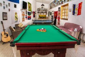 A billiards table at Sítio Corta Vento