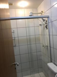 A bathroom at Bom gosto e praticidade esperando por você