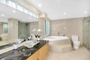 A bathroom at Aqua Solai Unit 1