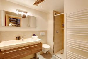 A bathroom at Heart Of Valbonne