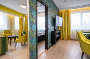 Ein Sitzbereich in der Unterkunft Thon Hotel Kirkenes