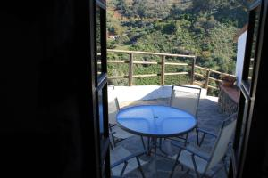 Un balcón o terraza de Casa Rural Los Escobones