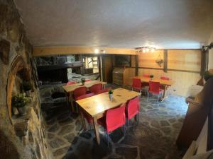 A restaurant or other place to eat at Namaste hostel