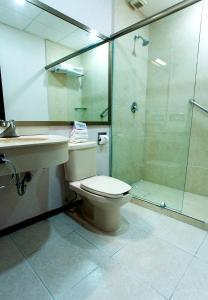 Een badkamer bij Hotel Ocean View