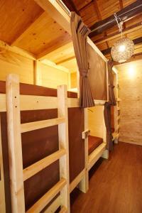 ゲストハウス プレッタ トラミにある二段ベッド