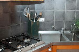 A kitchen or kitchenette at Marsh House