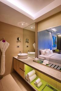 アヴァサ ホテルにあるバスルーム