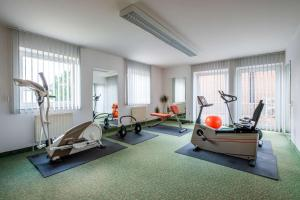 The fitness centre and/or fitness facilities at Quality Hotel Bielefeld