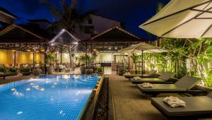 Piscina en o cerca de The Cyclo Siem Reap Hotel