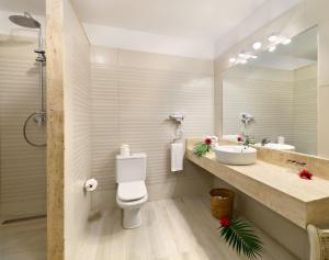 Un baño de Gran Oasis Resort