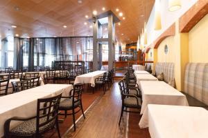 En restaurang eller annat matställe på Scandic Ikaalisten Kylpylä