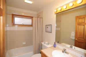 A bathroom at 72 Clubhouse