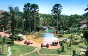 サイバービュー リゾート & スパの敷地内または近くにあるプールの景色