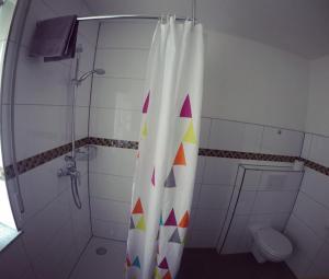 Ein Badezimmer in der Unterkunft Gästezimmer Faut