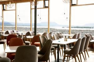 A restaurant or other place to eat at Fosshótel Mývatn