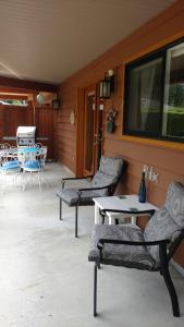 A seating area at Nestledown B&B