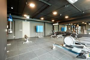 The fitness center and/or fitness facilities at Sonder — Britain Quay