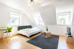 A seating area at Bayerischer Hof