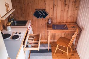 A kitchen or kitchenette at Phillipshaugen Lodge