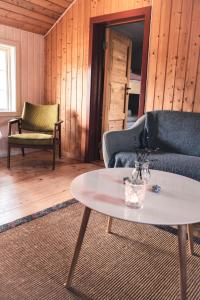 A seating area at Phillipshaugen Lodge