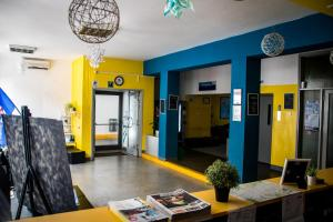 The lobby or reception area at HI Hostel Zagreb