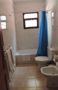 A bathroom at Apartamentos Lago Azul