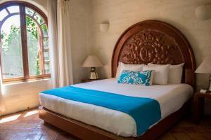 Cama o camas de una habitación en Mision del Sol Resort & Spa